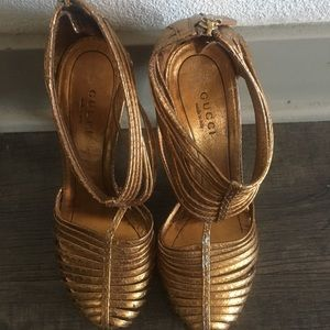 GUCCI GOLD HIGH HEELS SIZE 6.5